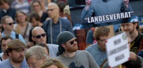 Deux journalistes accusés de « haute trahison » : tollé en Allemagne